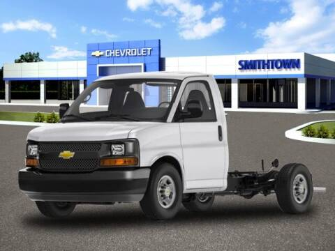 2020 Chevrolet Express Cutaway for sale at CHEVROLET OF SMITHTOWN in Saint James NY