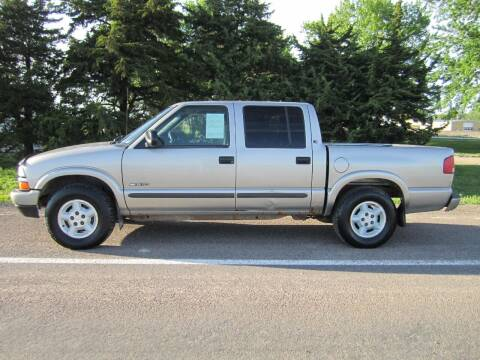 2003 Chevrolet S-10 for sale at Joe's Motor Company in Hazard NE