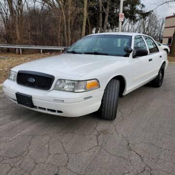 2011 Ford Crown Victoria for sale at Future Motors in Addison IL
