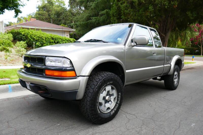 2001 Chevrolet S-10 for sale in Altadena, CA