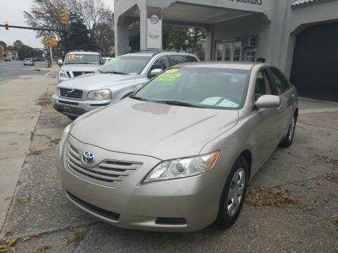 2007 Toyota Camry for sale at ROBINSON AUTO BROKERS in Dallas NC
