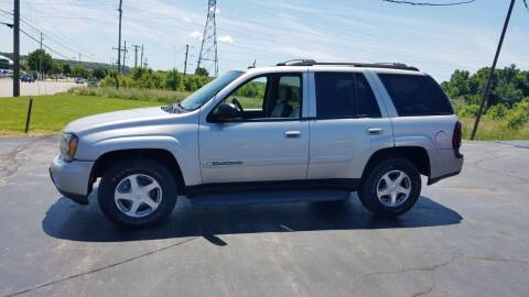 2004 Chevrolet TrailBlazer for sale at Country Auto Sales in Boardman OH