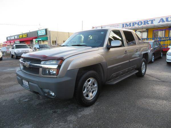 2002 Chevrolet Avalanche for sale at Import Auto World in Hayward CA