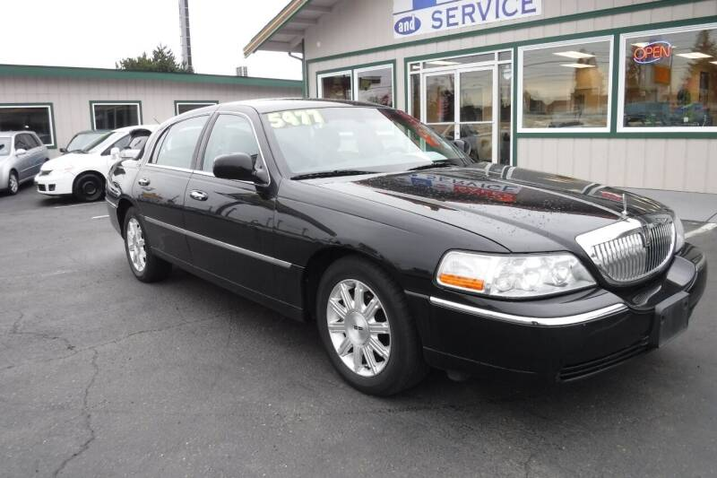 2009 Lincoln Town Car for sale at 777 Auto Sales and Service in Tacoma WA