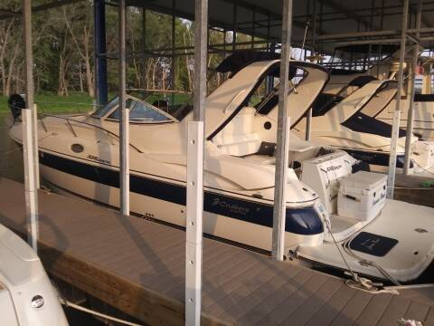 2006 Cruiser Yachts 320 Express for sale at Toy Flip LLC in Cascade IA