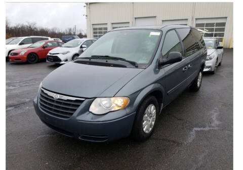 2007 Chrysler Town and Country for sale at Kansas Car Finder in Valley Falls KS