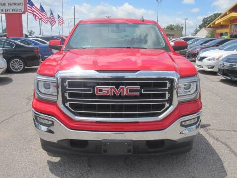 2017 GMC Sierra 1500 for sale at T & D Motor Company in Bethany OK