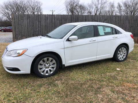 2013 Chrysler 200 for sale at Davie County Motors in Mocksville NC