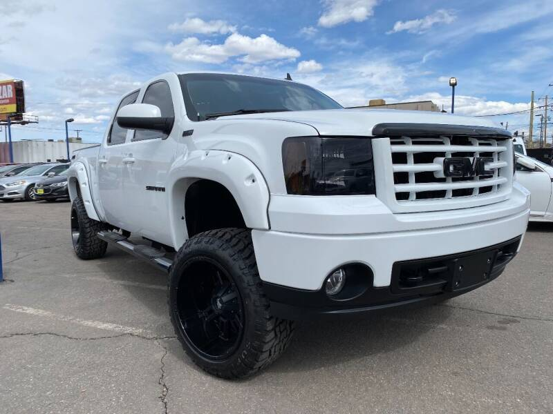 2009 GMC Sierra 1500 for sale at New Wave Auto Brokers & Sales in Denver CO