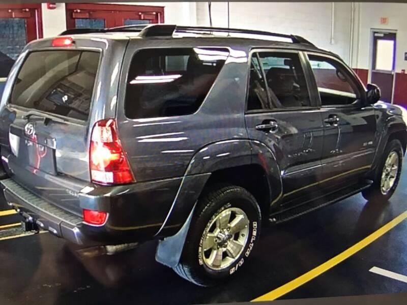 2005 Toyota 4Runner SR5 4WD 4dr SUV - Batavia IL