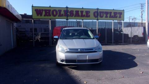 2009 Ford Focus for sale at LONG BROTHERS CAR COMPANY in Cleveland OH