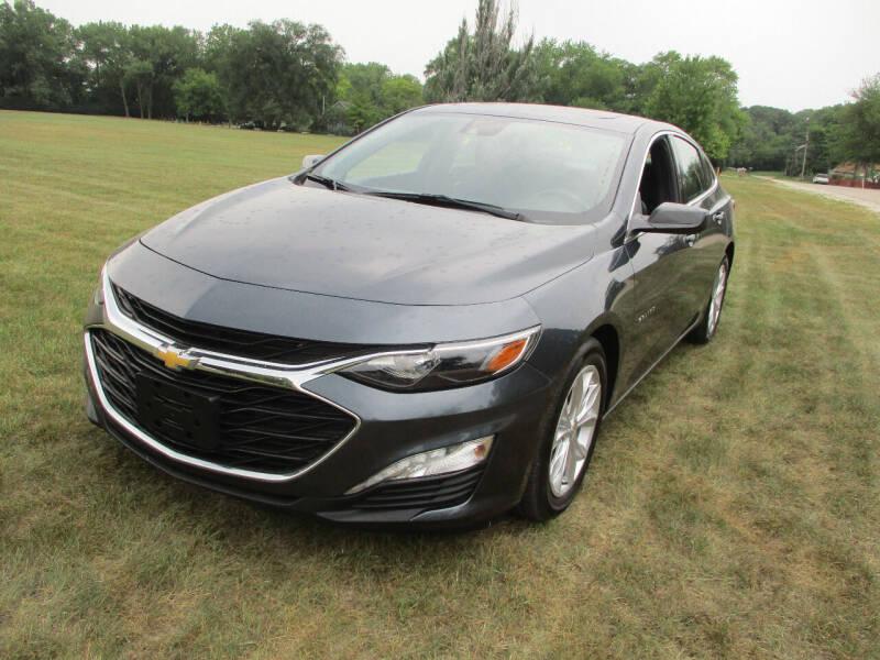 2019 Chevrolet Malibu for sale at Triangle Auto Sales in Elgin IL