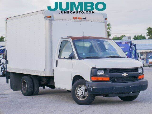 2009 Chevrolet Express Cutaway for sale at Jumbo Auto & Truck Plaza in Hollywood FL