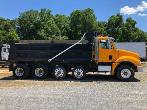 2005 Freightliner Columbia 120 for sale at Vehicle Network - Joe's Tractor Sales in Thomasville NC
