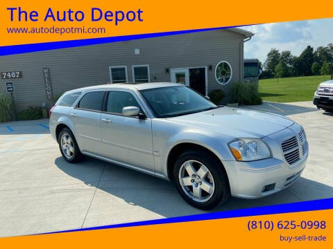 2005 Dodge Magnum for sale at The Auto Depot in Mount Morris MI
