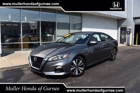 2019 Nissan Altima for sale at RDM CAR BUYING EXPERIENCE in Gurnee IL