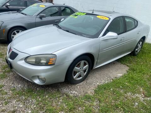 2005 Pontiac Grand Prix for sale at Double Take Auto Sales LLC in Dayton OH