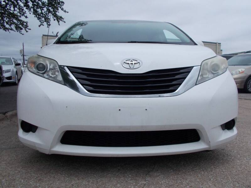 2012 Toyota Sienna for sale at ACH AutoHaus in Dallas TX