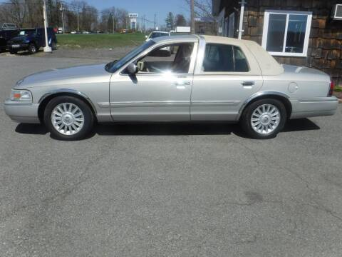 2008 Mercury Grand Marquis for sale at Trade Zone Auto Sales in Hampton NJ
