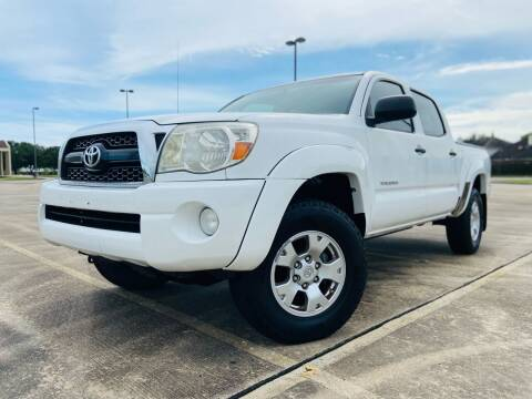 2011 Toyota Tacoma for sale at AUTO DIRECT Bellaire in Houston TX