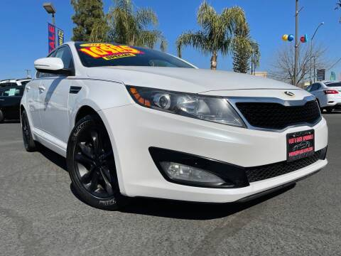 2013 Kia Optima for sale at River Park Automotive Center in Fresno CA