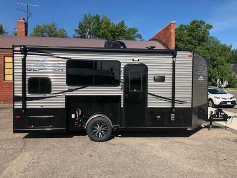 2022 Glacier 17' RV for sale at Main Street Motors in Wheaton MN