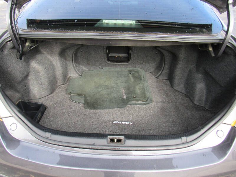 2009 Toyota Camry SE 4dr Sedan 5A - Neenah WI