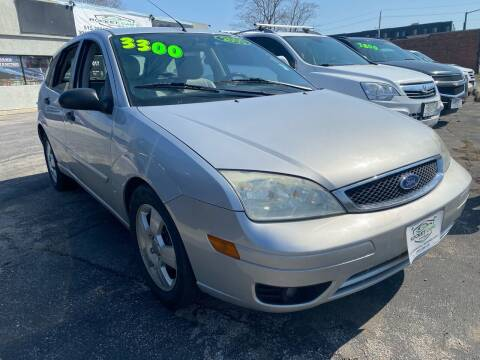 2005 Ford Focus for sale at Rocket Cars Auto Sales LLC in Des Moines IA