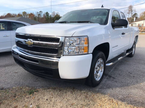 2010 Chevrolet Silverado 1500 for sale at Doug's Auto Sales in Danville VA