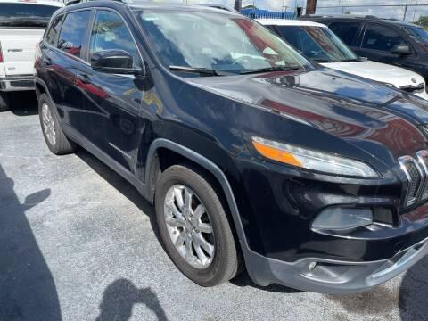 2014 Jeep Cherokee for sale at AUTO ALLIANCE LLC in Miami FL