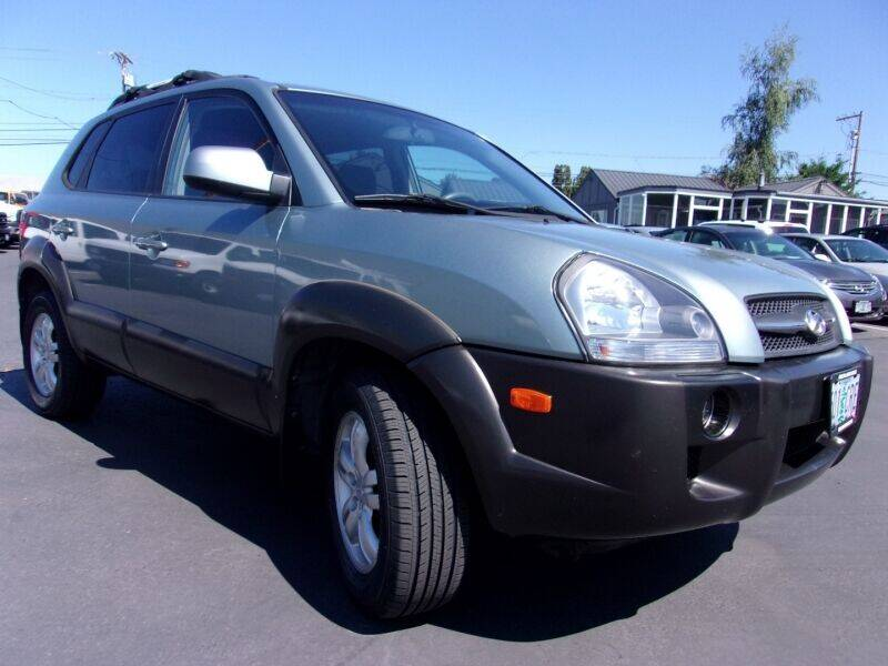 2006 Hyundai Tucson for sale at Delta Auto Sales in Milwaukie OR