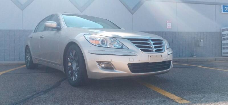 2009 Hyundai Genesis for sale at Double Take Auto Sales LLC in Dayton OH