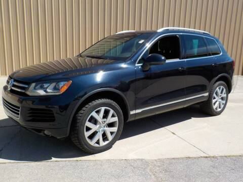2014 Volkswagen Touareg for sale at Automotive Locator- Auto Sales in Groveport OH
