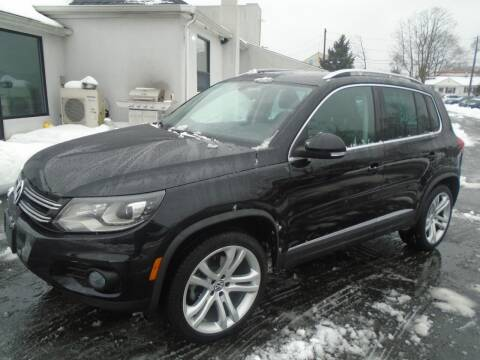 2013 Volkswagen Tiguan for sale at Island Auto Buyers in West Babylon NY