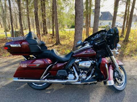 2017 Harley-Davidson® FLHTK - Ultra Limited for sale at Street Track n Trail in Conneaut Lake PA