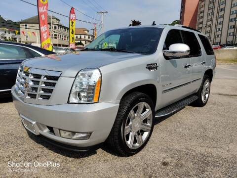 2013 Cadillac Escalade for sale at Porcelli Auto Sales in West Warwick RI