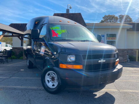 2006 Chevrolet Express Cutaway for sale at Hola Auto Sales Doraville in Doraville GA