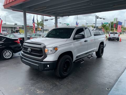 2017 Toyota Tundra for sale at American Auto Sales in Hialeah FL
