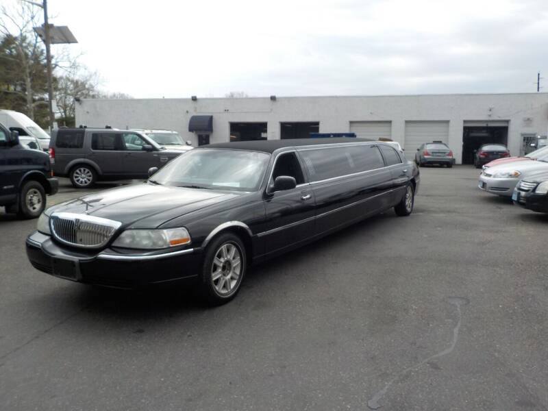 2008 Lincoln Town Car for sale at United Auto Land in Woodbury NJ