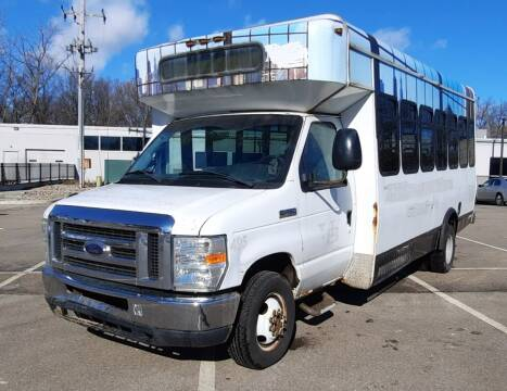 2008 Ford E-Series Chassis for sale at J & J Used Auto in Jackson MI