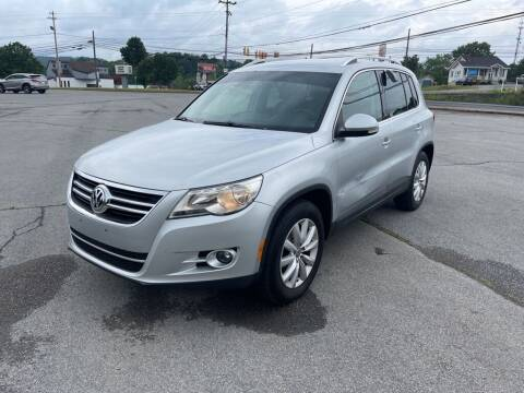 2011 Volkswagen Tiguan for sale at Carl's Auto Incorporated in Blountville TN