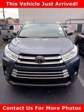 2018 Toyota Highlander for sale at BEAMAN TOYOTA in Nashville TN