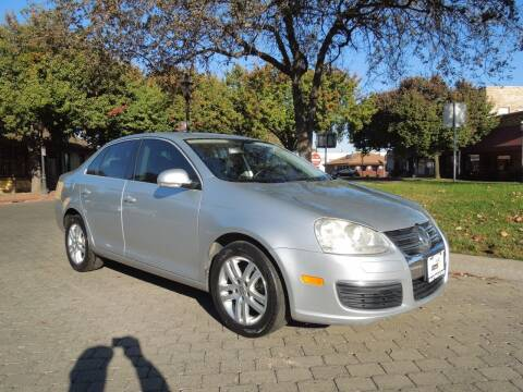 2005 Volkswagen Jetta for sale at Family Truck and Auto.com in Oakdale CA