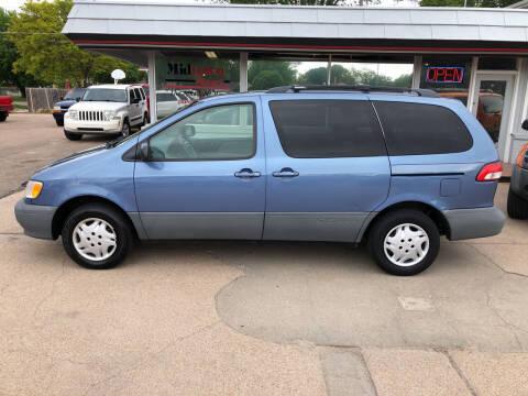 2002 Toyota Sienna for sale at Midtown Motors in North Platte NE