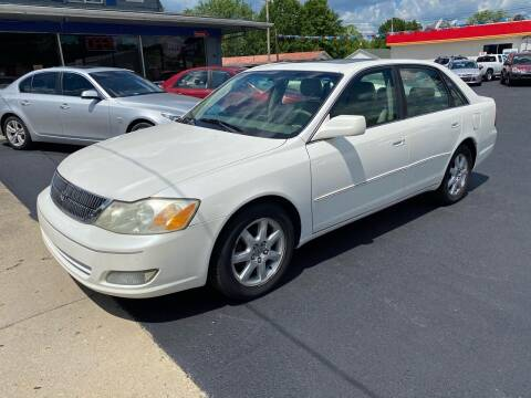 2002 Toyota Avalon for sale at Wise Investments Auto Sales in Sellersburg IN