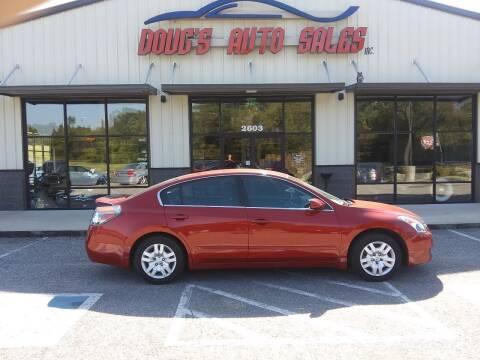 2009 Nissan Altima for sale at DOUG'S AUTO SALES INC in Pleasant View TN