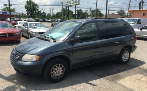 2002 Chrysler Voyager for sale at 4th Street Auto in Louisville KY