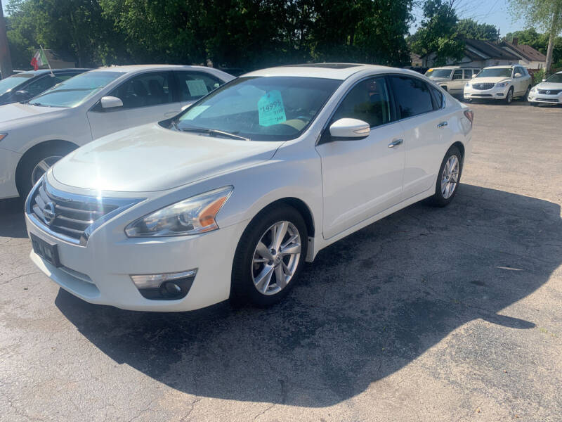 2015 Nissan Altima for sale at PAPERLAND MOTORS - Fresh Inventory in Green Bay WI