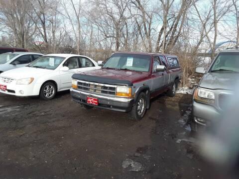 1996 Dodge Dakota for sale at BARNES AUTO SALES in Mandan ND