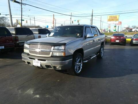 2004 Chevrolet Avalanche for sale at Rucker's Auto Sales Inc. in Nashville TN